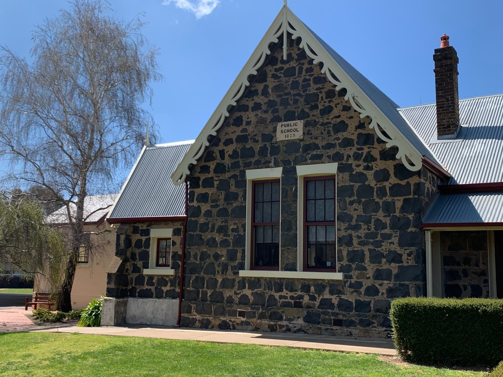 bluestone building in Millthorpe