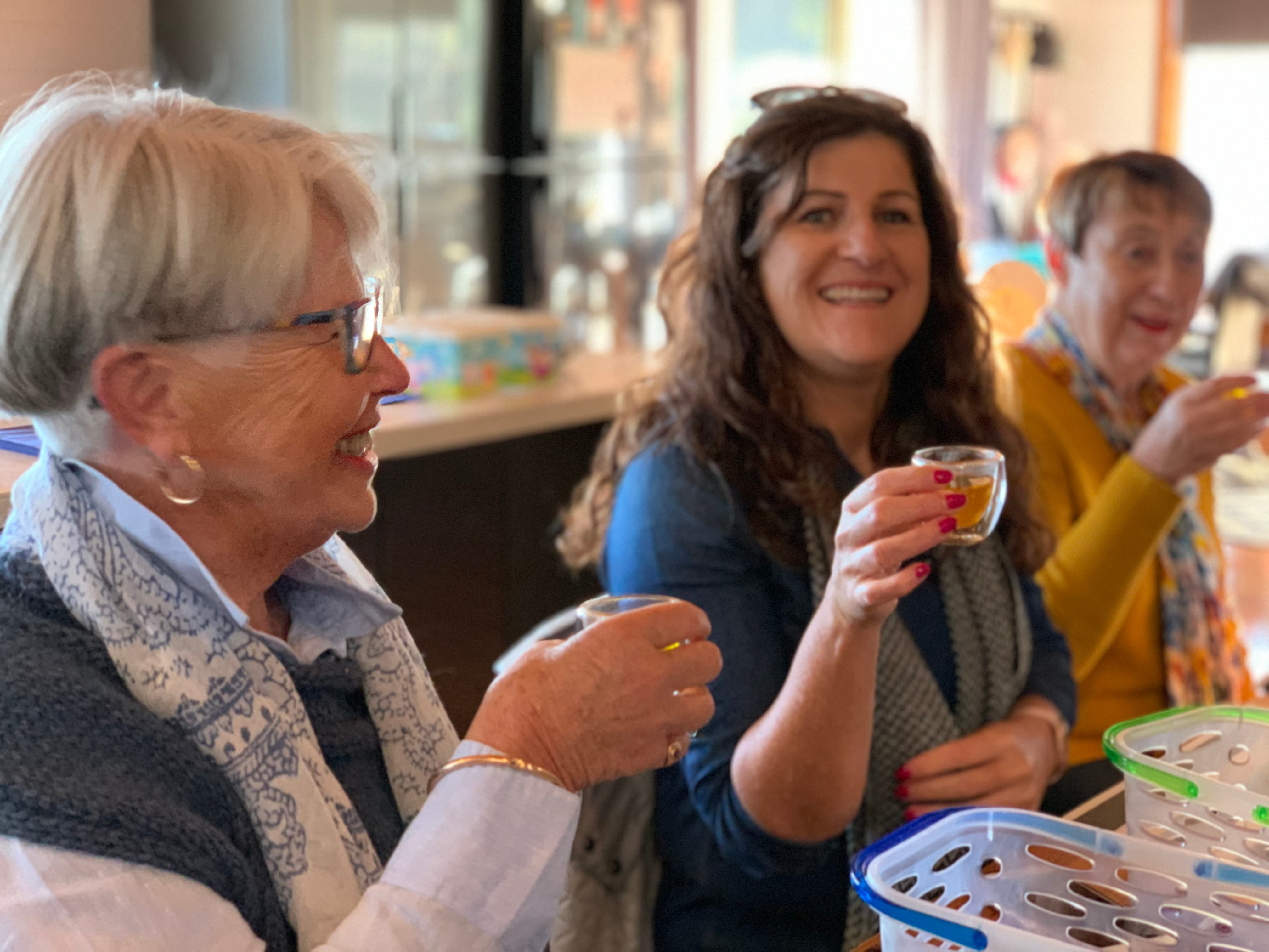 3 ladies drinking saffron tea